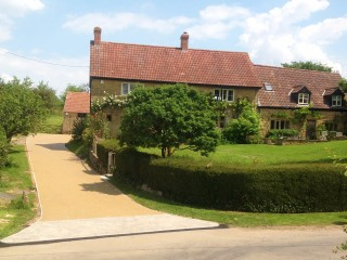 Somerset farmhouse with resin access road